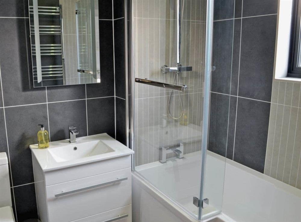Bathroom at Bay Tree Lodge in Hoveton, near Wroxham, Norfolk