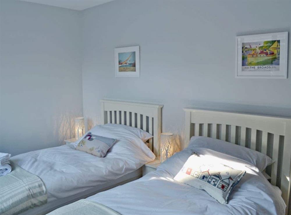 Twin bedroom at Bay Tree Lodge in Hoveton, near Wroxham, Norfolk