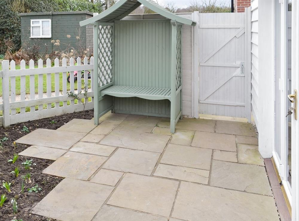 Sitting-out-area at Baytree Cottage 2,