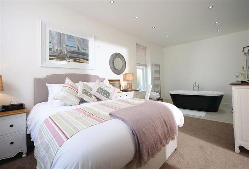 The Suite at Beach Cove in , Devon