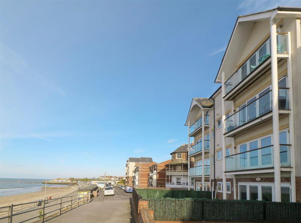 Ideally located holiday apartment at Beach Side in Westgate-on-Sea, near Margate, Kent