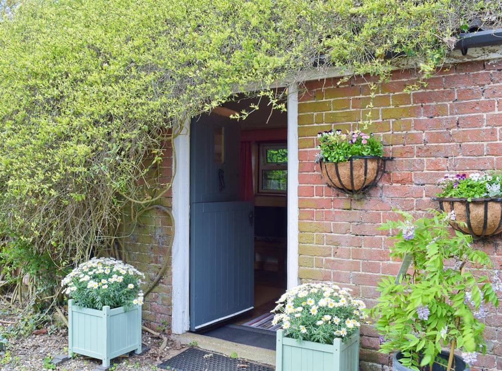 Charming cottage at Beck Gate in Denton, near Bungay, Norfolk