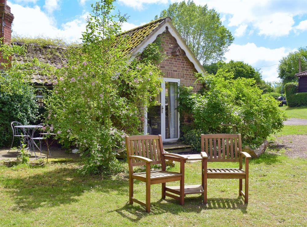 Delightful, charming cottage at Beck Gate in Denton, near Bungay, Norfolk