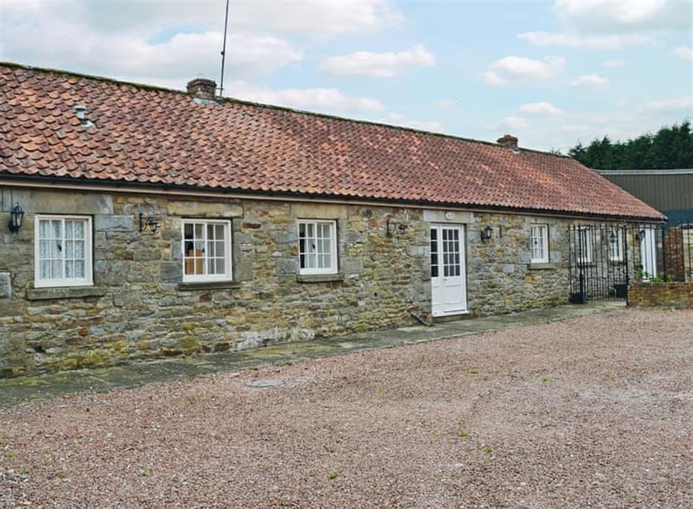 Lovely single–storey holiday home at Primrose Cottage,