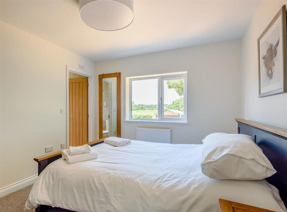 Double bedroom (photo 2) at Alderfen Barn,