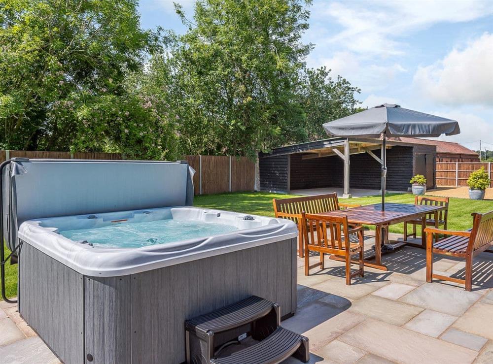Hot tub (photo 2) at Alderfen Barn,