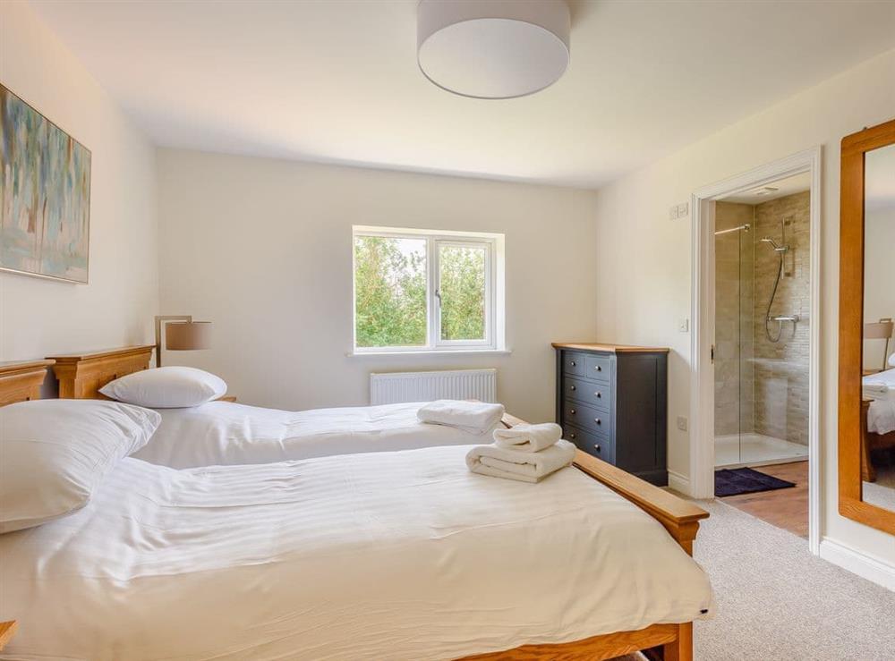 Twin bedroom at Alderfen Barn,