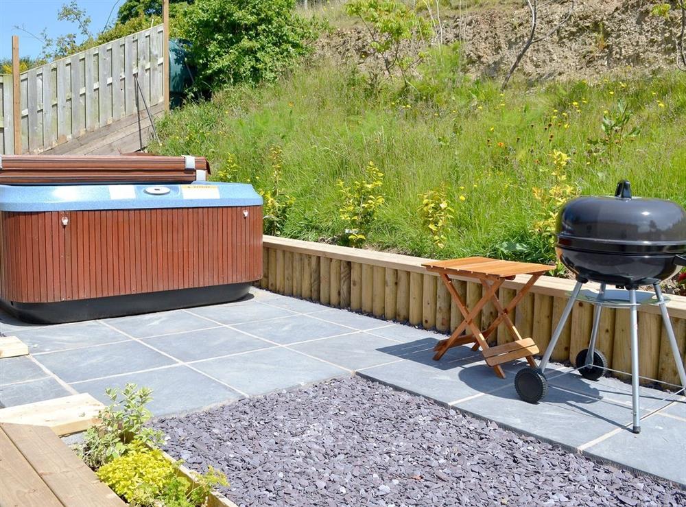Hot tub at Beehive Cottage in Denbigh, Denbighshire