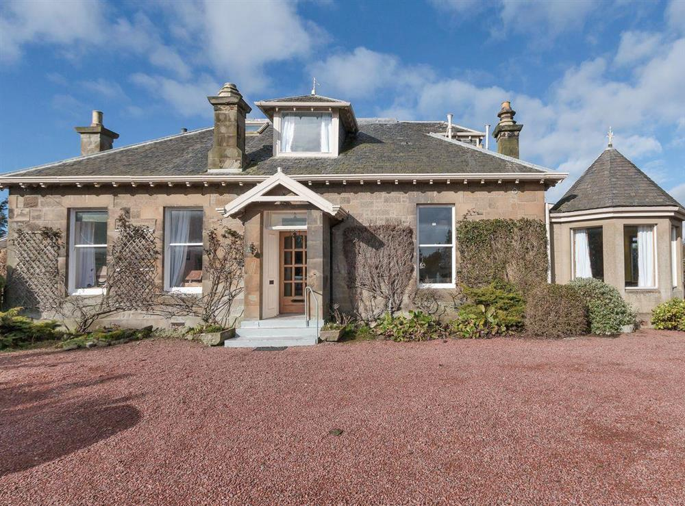 Detached Georgian holiday home at Bentfield in Prestwick, Ayrshire