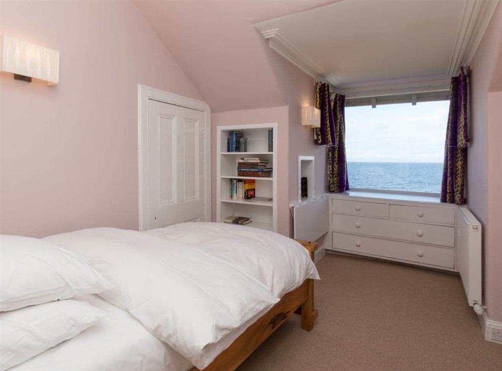 Single bedroom at Bentfield in Prestwick, Ayrshire