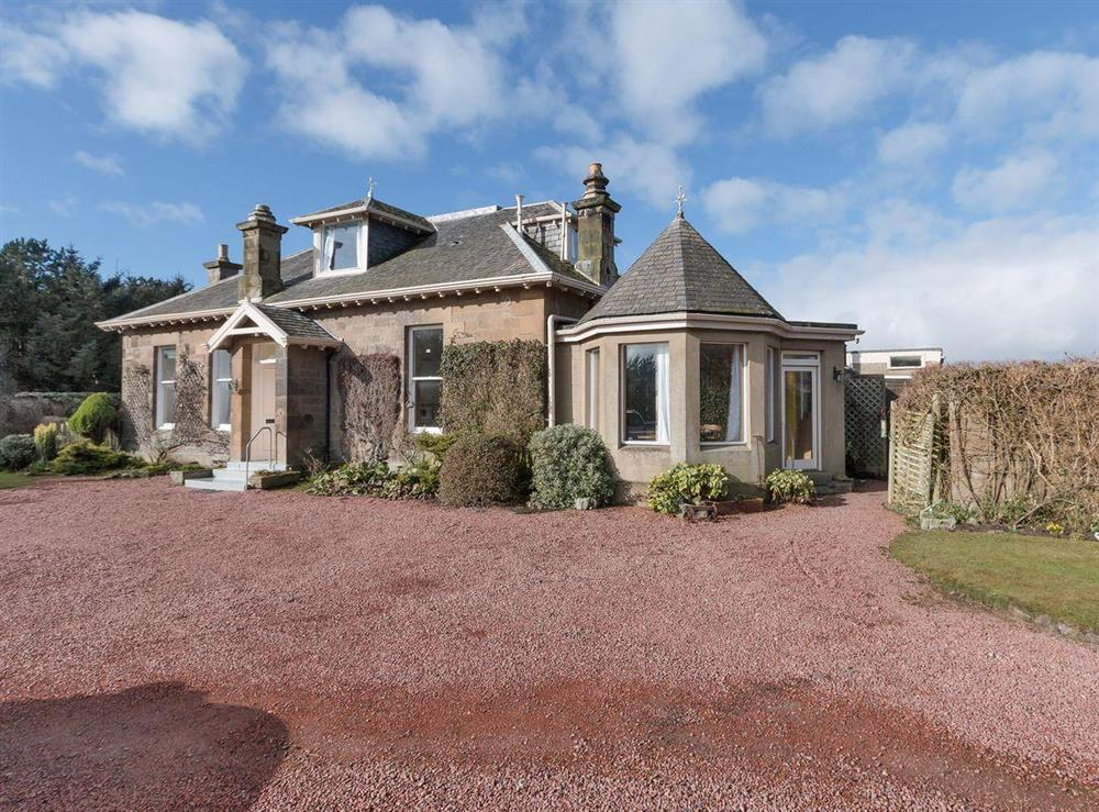 Spacious, detached house lies on the shore of Prestwick beach at Bentfield in Prestwick, Ayrshire
