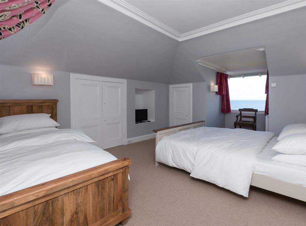 Twin bedroom at Bentfield in Prestwick, Ayrshire