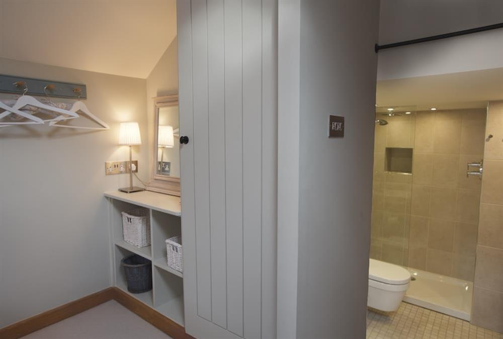 En suite double bedroom (photo 6) at Berry Cottage in , Dittisham