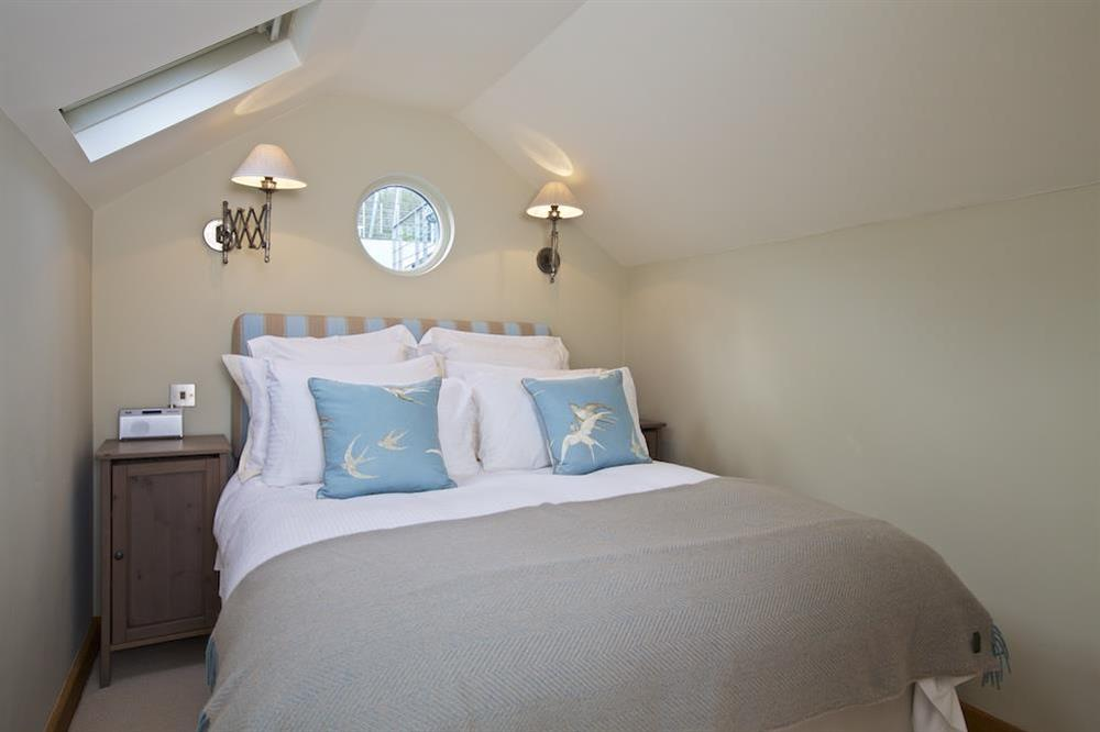 En suite double bedroom at Berry Cottage in , Dittisham