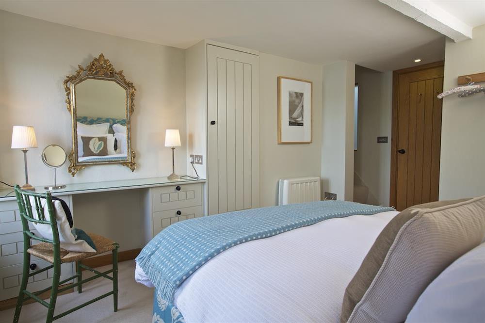 Master en suite bedroom at Berry Cottage in , Dittisham