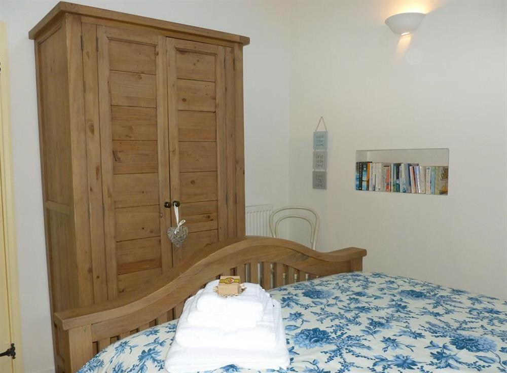Another view of the double bedroom at Blackberry Cottage, Slapton