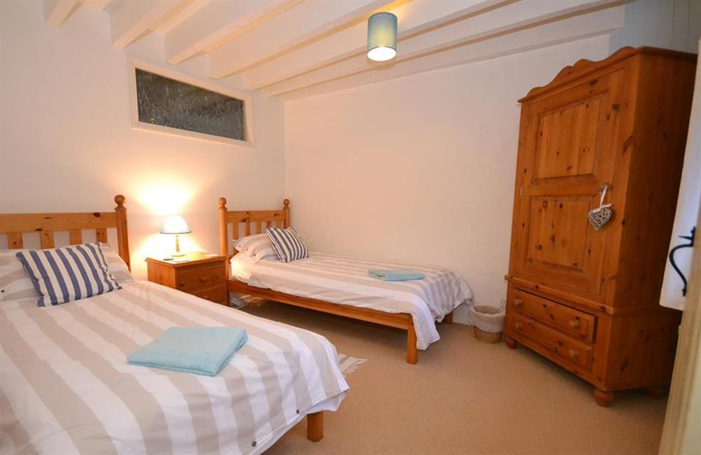 The ground floor twin bedroom at Blackberry Cottage, Slapton