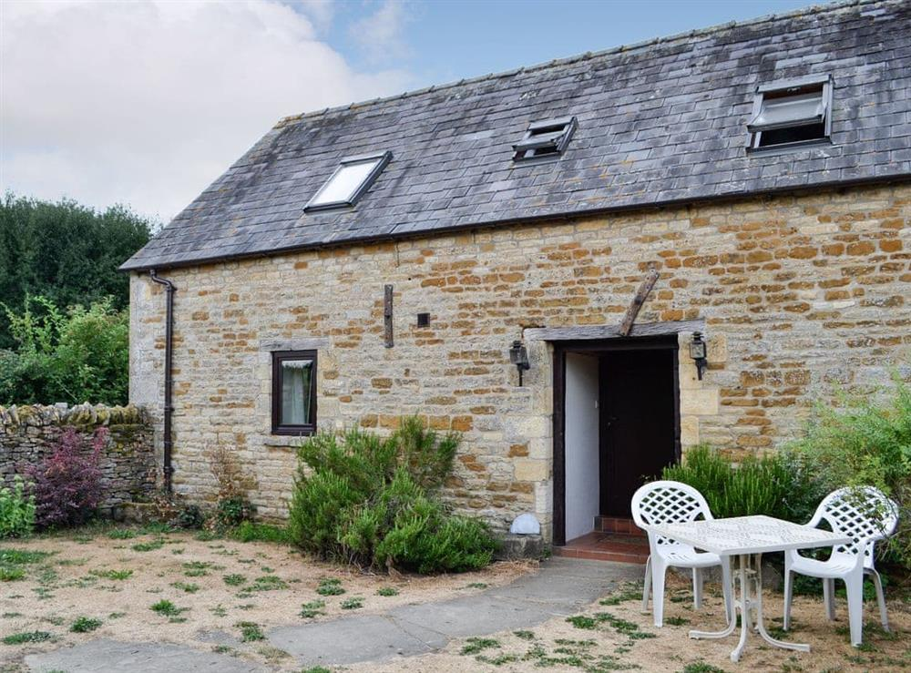 Rural, semi-detached holiday cottage at Well Cottage,