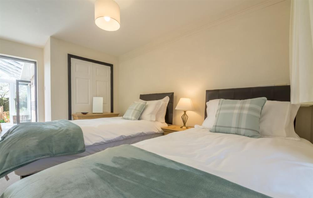 Ground floor: Twin room with single beds