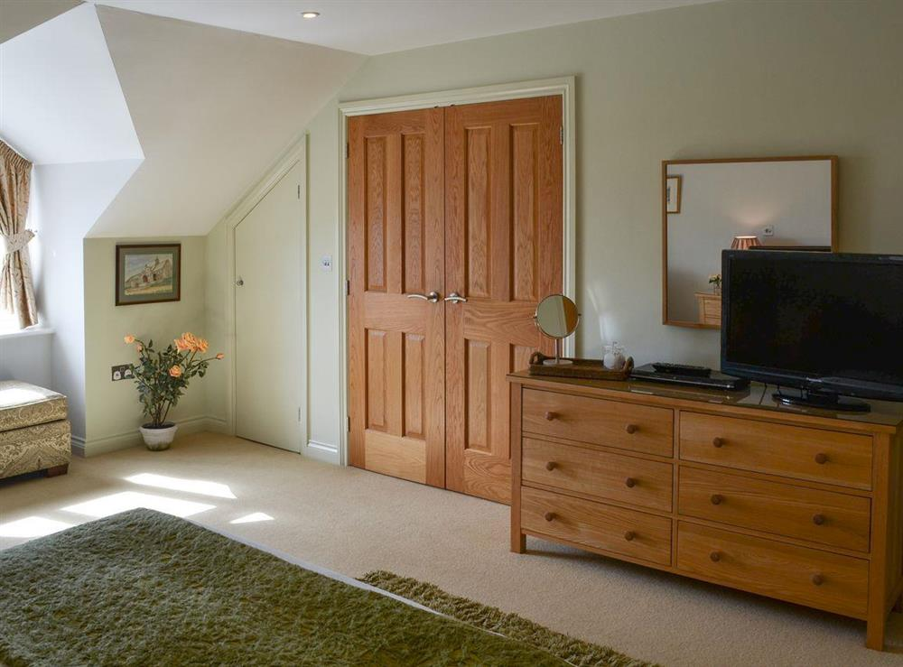 Kingsize bedroom with freeview TV & en-suite (photo 3) at Bodrydd,