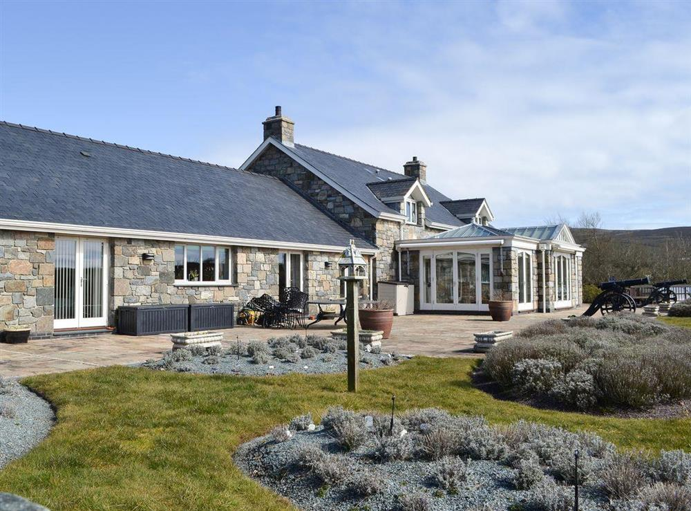 Stunning detached holiday property in a beautiful rural location at Bodrydd,
