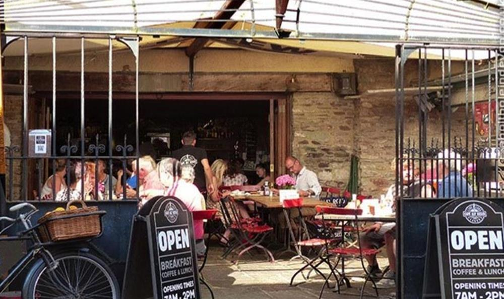 Breakfast al fresco at one of the many Dartmouth cafes at Bolthole Cabin, Dartmouth