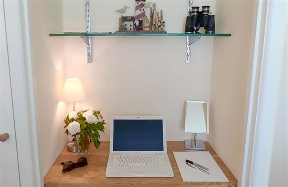 The dressing table or work station in the cabin style bedroom at Bolthole Cabin, Dartmouth