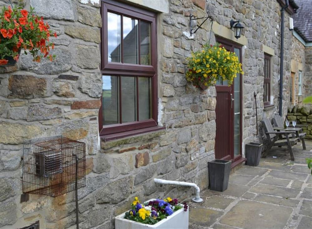 Charming Northumbrian holiday cottage at Hillside Cottage,