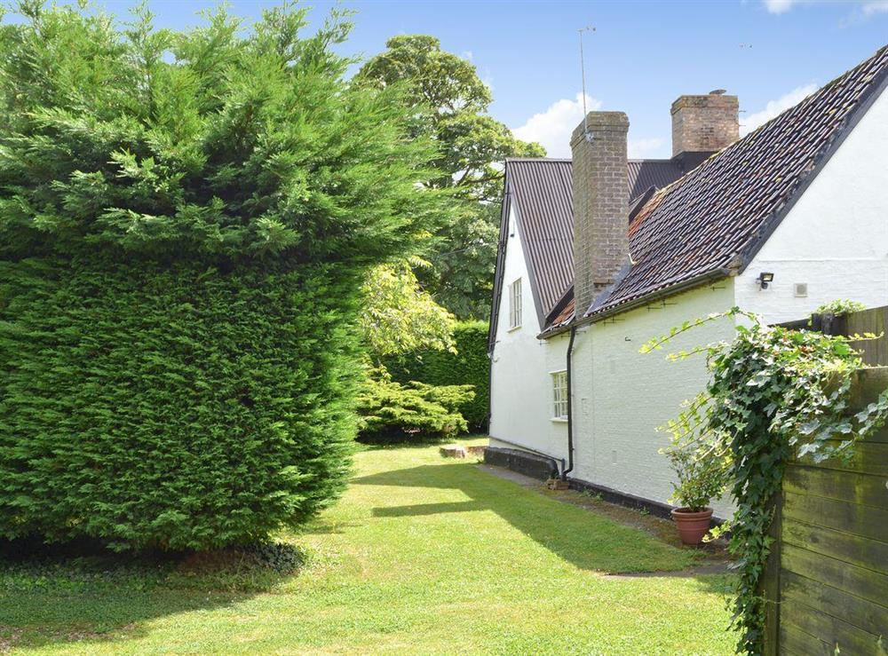 Exterior & garden at Breeds Farm Cottage in Wicken, near Ely, Cambridgeshire