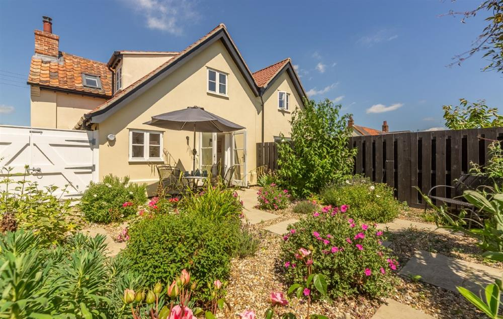 Briar Cottage has a delightful rear garden at Briar Cottage, Friston