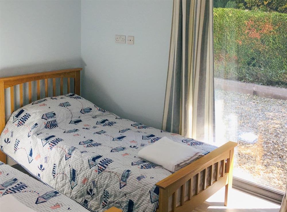 Twin bedroom (photo 2) at The Long Barn,