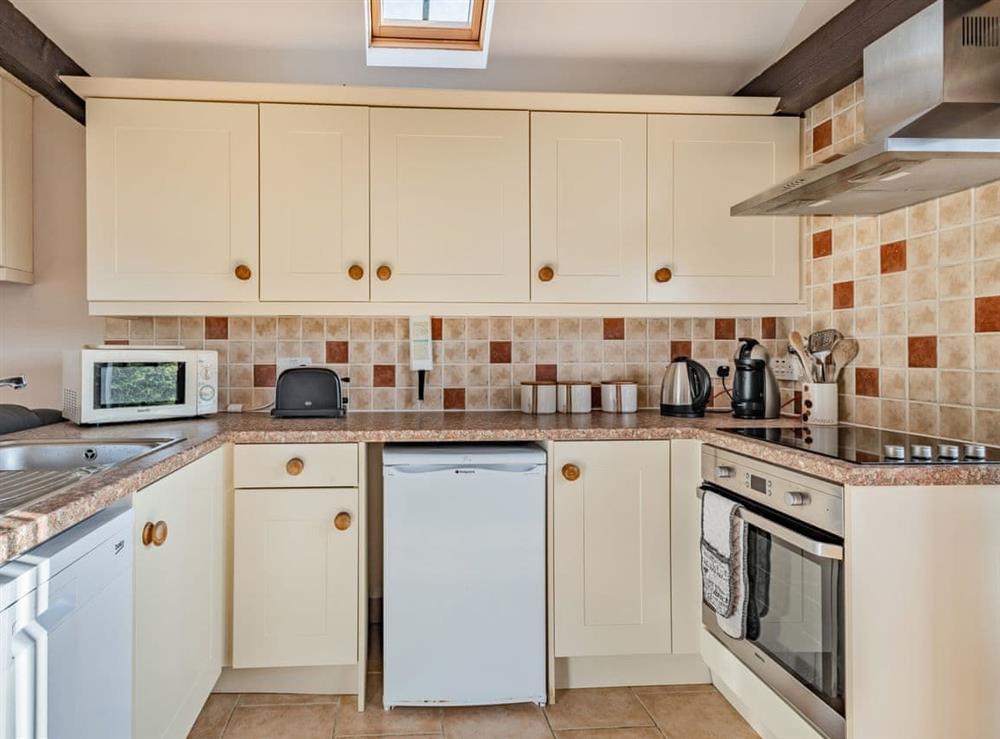 Kitchen (photo 2) at 2 Brick Kiln Barns,