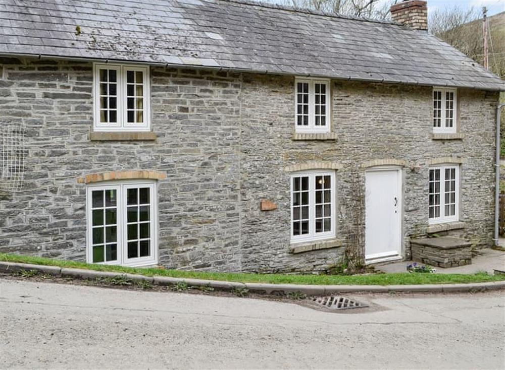 Bridge End Cottage is a detached property