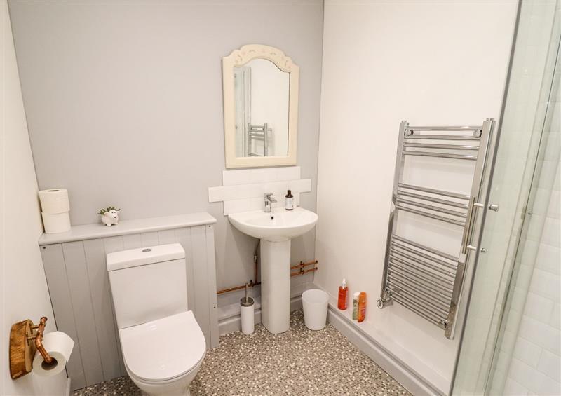 Bathroom at Brookview Lodge, Blakeney