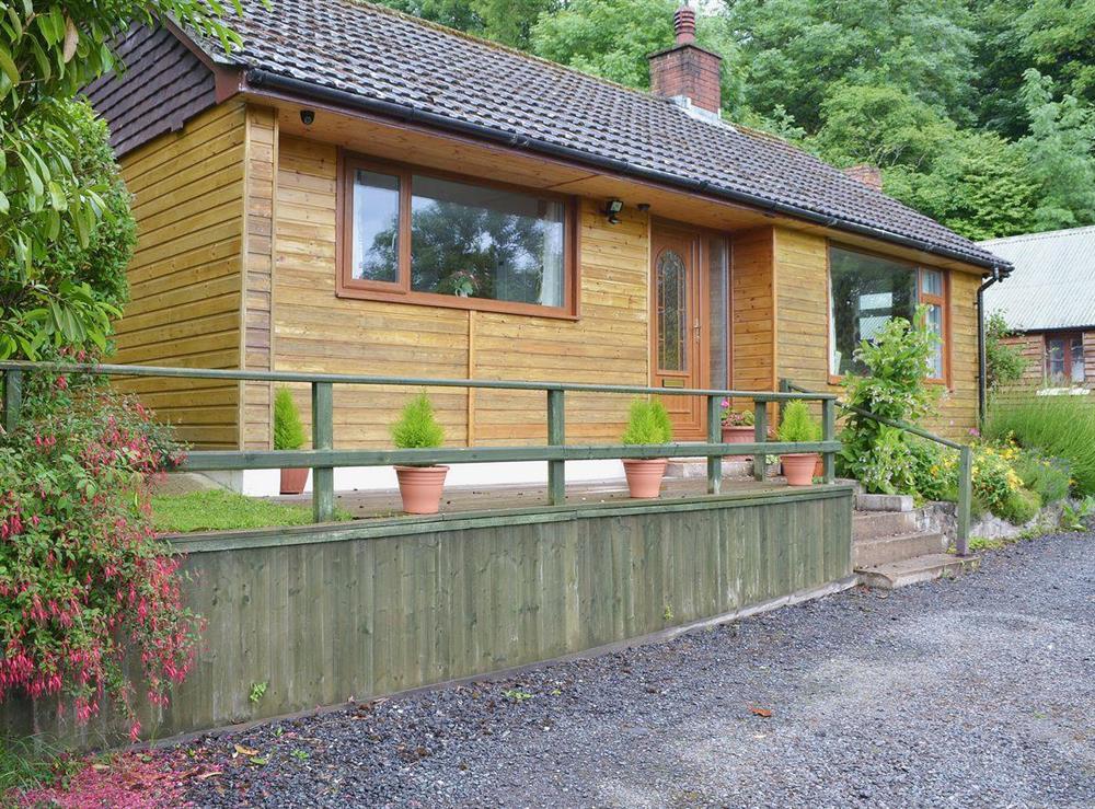 Secluded detached holiday cottage at Bryn Rodyn in Graigfechan, near Ruthin, Denbighshire