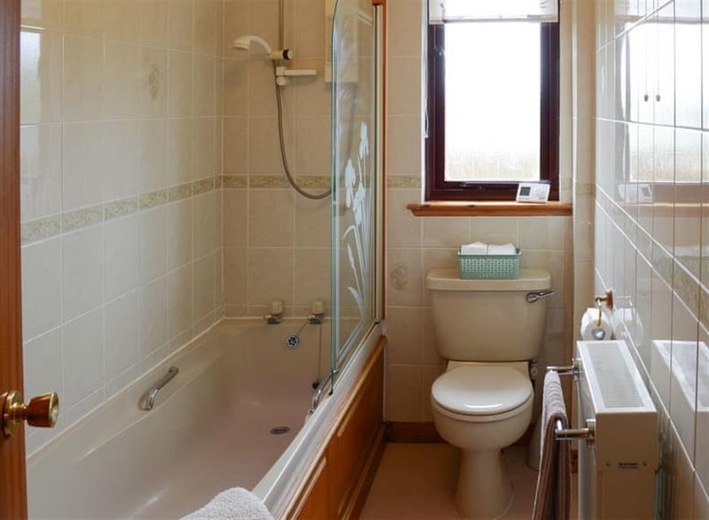 Bathroom at Burn Cottage in Lairg, near Golspie, Sutherland