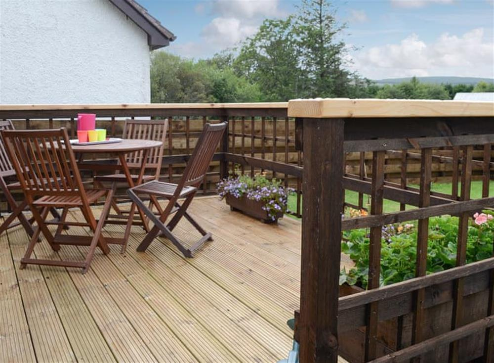 Sitting out area at Burn Cottage in Lairg, near Golspie, Sutherland