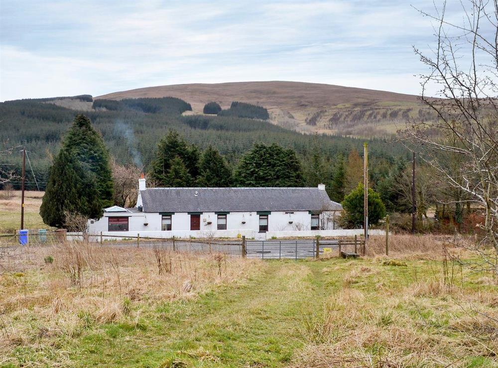 Spacious detached cottage at Burnside Cottage in Tormitchell, near Girvan, Ayrshire