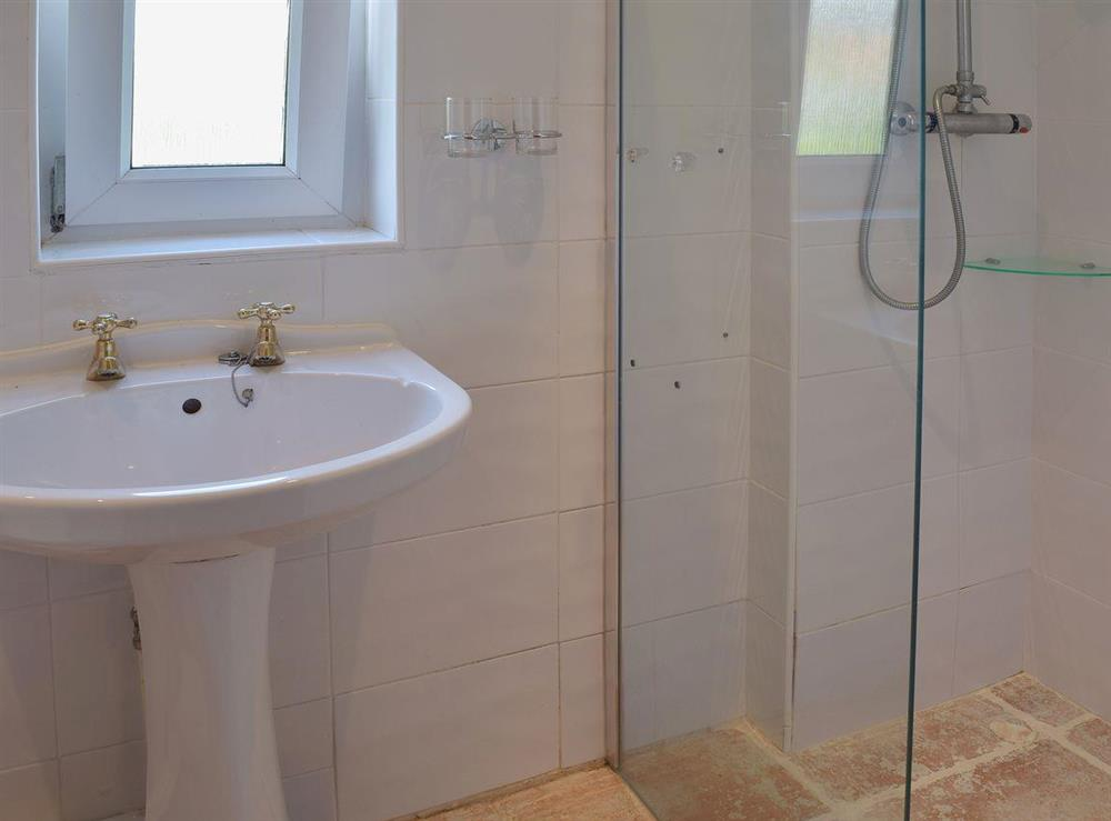 En-suite wet room accessed from the double bedroom at Butter Pen in Denton, near Bungay, Norfolk