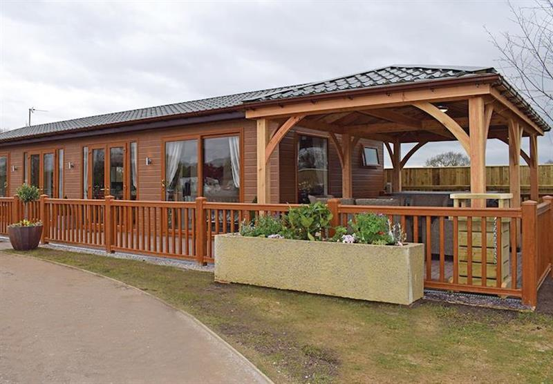 Teal Lodge at Caistor Lakes Lodges in Caistor, Market Rasen
