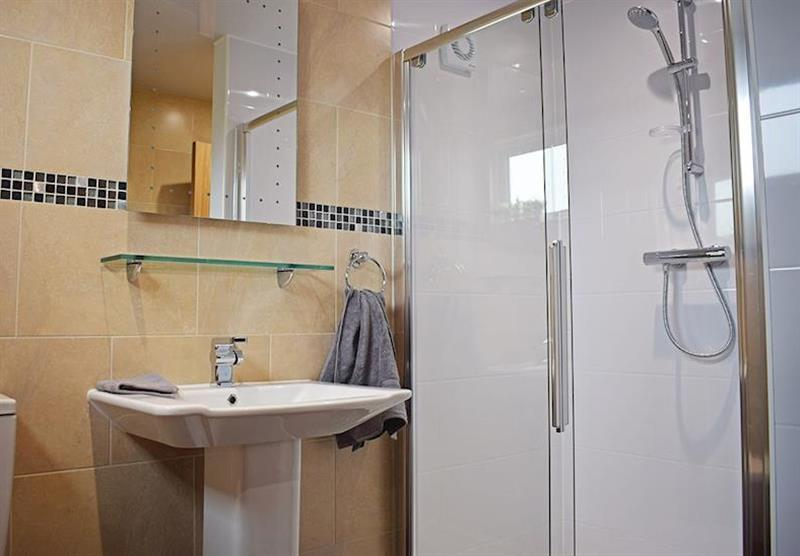 The bathroom in a Teal Lodge at Caistor Lakes Lodges in Caistor, Market Rasen