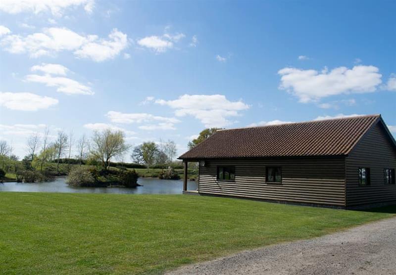 Lakeside Log Cabin at Camper UK Leisure Park in Swinethorpe, Nr Lincoln