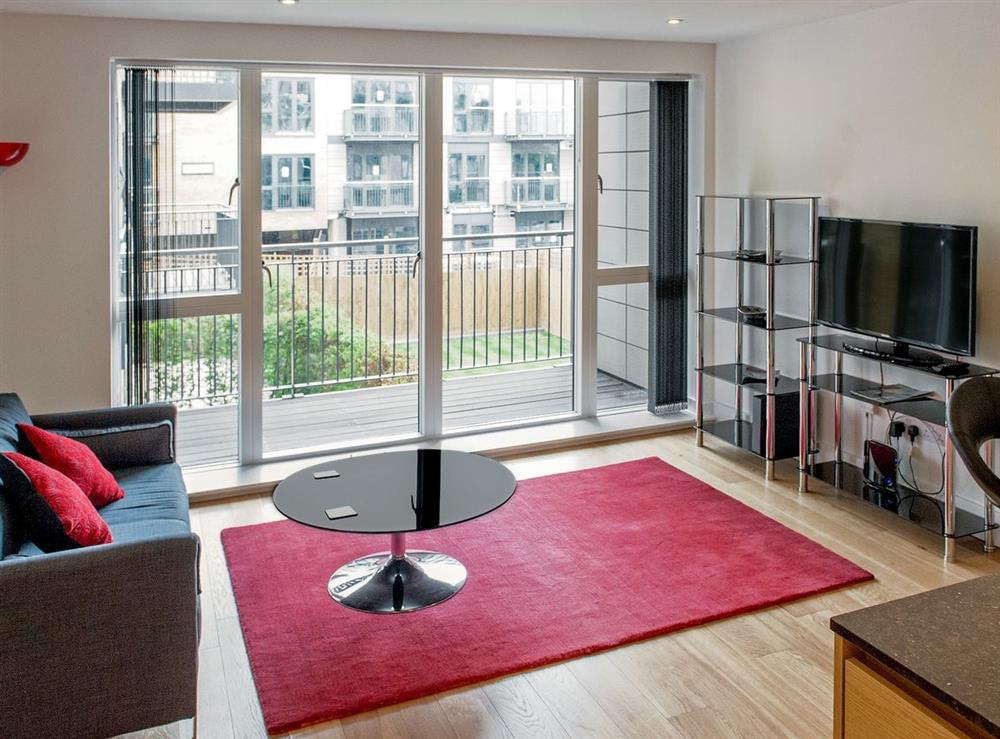 Open plan living/dining room/kitchen at Camstay Riverside in Cambridge, Cambridgeshire