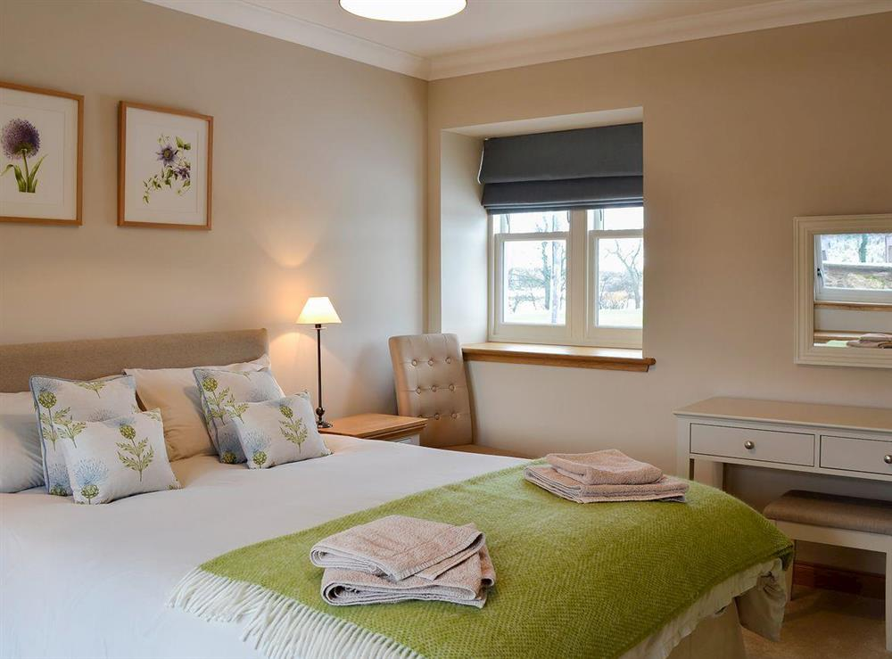 Charming and attractive double bedroom with en-suite at Canterland Lodge in Marykirk, near Montrose, Aberdeenshire, Scotland