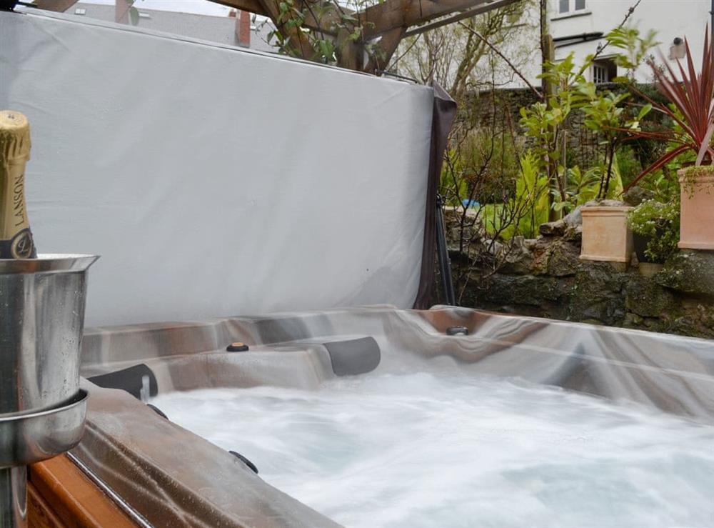 Luxurious hot tub at Castle Hill in Denbigh, Denbighshire