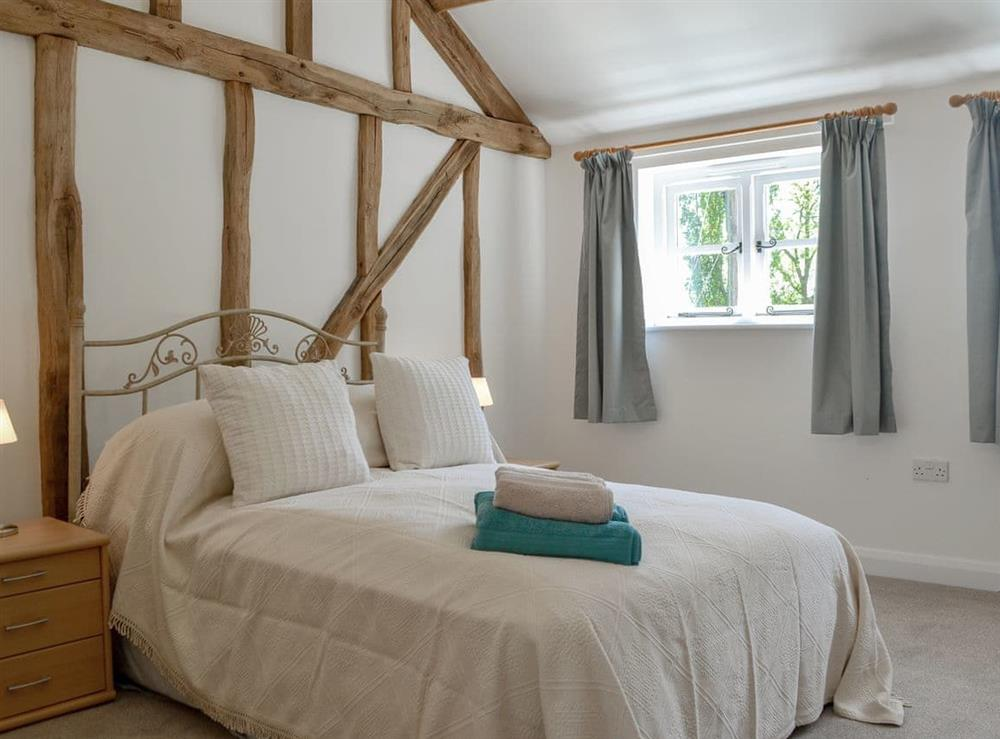 Delightful double bedroom at The Hop Cottage,