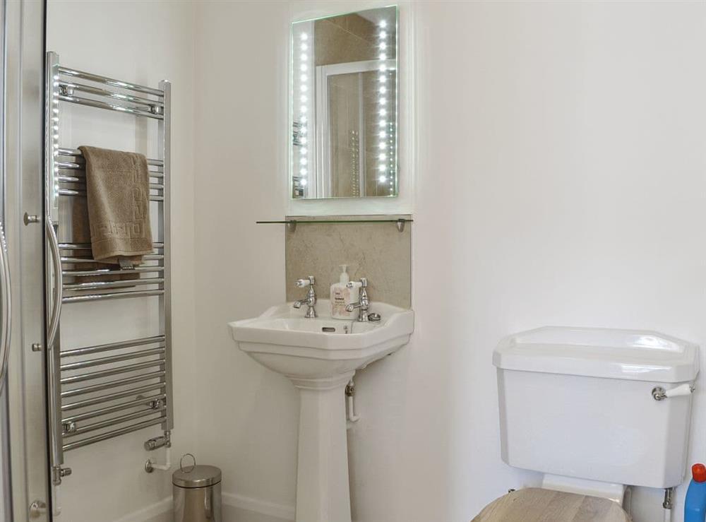 En-suite shower room at The Hop Cottage,