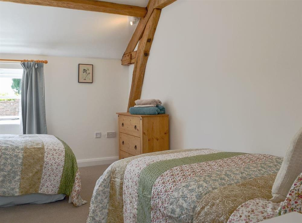 Twin bedroom at The Hop Cottage,