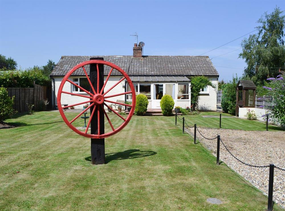 Detached holiday bungalow at Ceceda in Bacton, near North Walsham, Norfolk