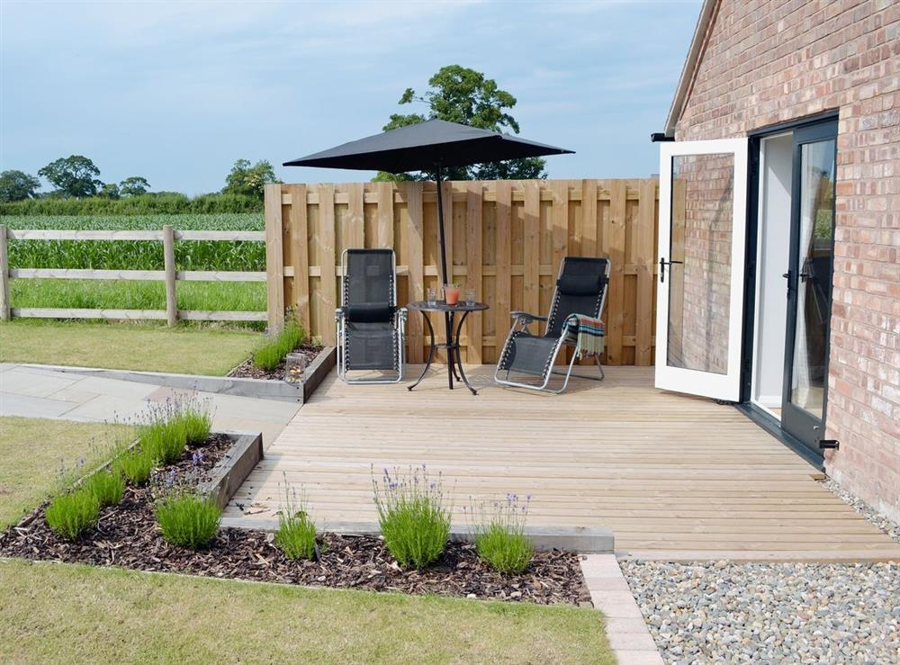 Outdoor eating area at Cherry Tree Barn in Audlem, near Nantwich, Cheshire